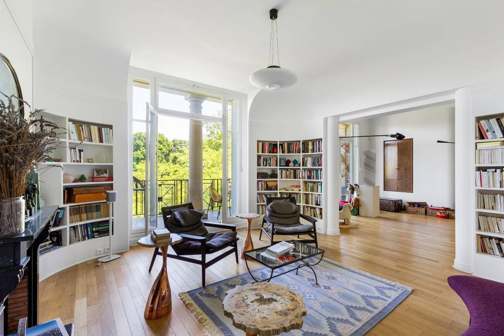 Paris 8th District – An exceptional 4-bed apartment with a terrace