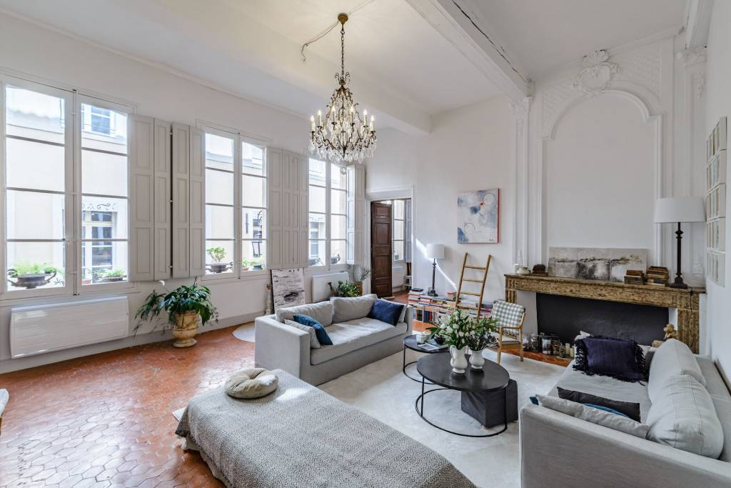 Aix en Provence – A beautiful apartment in a private mansion