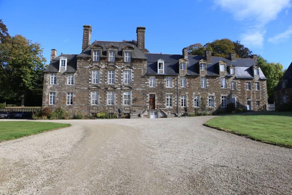 Normandie - Château du XVIIe parfaitement restauré et inscrit MH