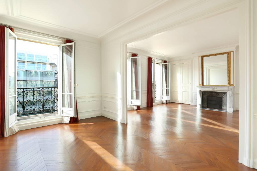 Paris VIIIe - Avenue de Wagram - Place des Ternes.